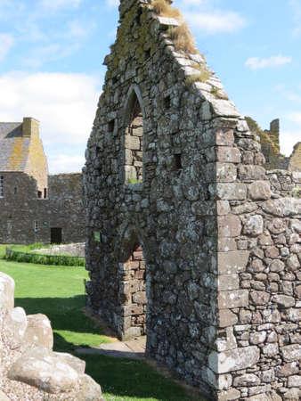 dunnottar castle: View of Dunnottar Castle, near Stonehaven, Scotland