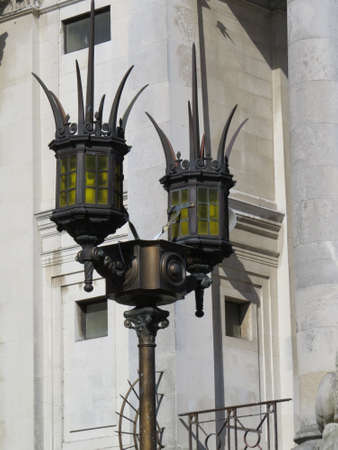 Decorative lamp post outside the guildhall in Portsmouth, UK. Фото со стока - 37430574