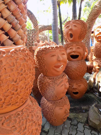 terracotta: Ornamental Terracotta Flower Pots