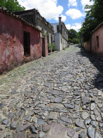 One of the old cobblestone streets in the Uruguayan town of Colonia de Sacramento. Imagens