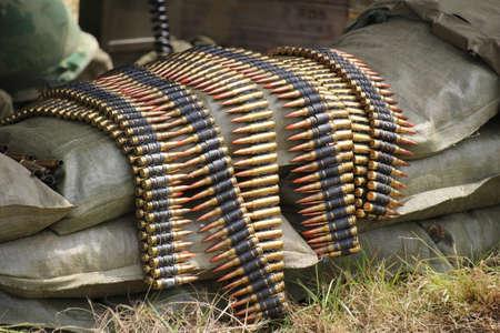 세계 대전 2 기관총 벨트에 총알.
