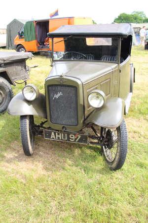 ウォータールービル、イギリス - 2017 年 5 月 28 日: オースティン 7 モーター車イギリス軍色に描かれています。第二次世界大戦の軍隊人員の輸送に使