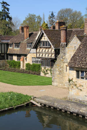 Cottages in the grounds of Hever Castle. Hever was the childhood home of Anne Boleyn. 写真素材