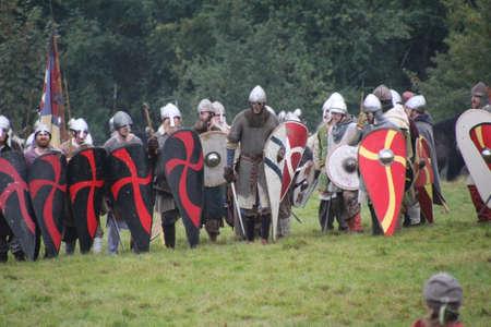 Battle, Regno Unito - 12 ottobre 2019: Re-enactors che ricreano la battaglia di Hastings. Lo scopo è quello di educare le persone su questo momento cruciale nella storia del Regno Unito nell'anno 1066.