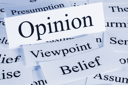 Meinungskonzept - ein konzeptioneller Blick auf Meinung, Standpunkt, Überzeugung, Vermutung, Vermutung