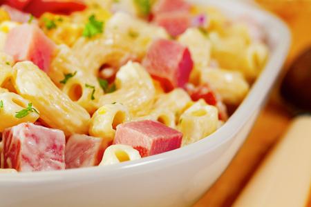 Macaroni Pasta Salad with Ham and Cheese 스톡 콘텐츠