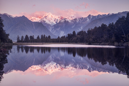 Sunset, Lake Matheson Фото со стока
