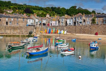 Mousehole Cornwall UK 新聞圖片