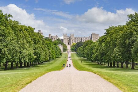 The Long Walk and Windsor Castle Windsor London UK Archivio Fotografico - 133524408