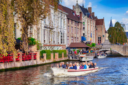 Bruges, Belgium, Tour Boat on Canal Editoriali