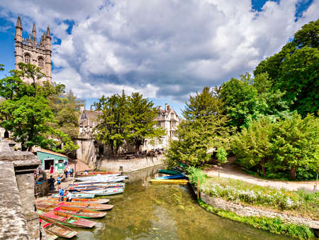 Oxford, UK, River Cherwell and Punts 新闻类图片