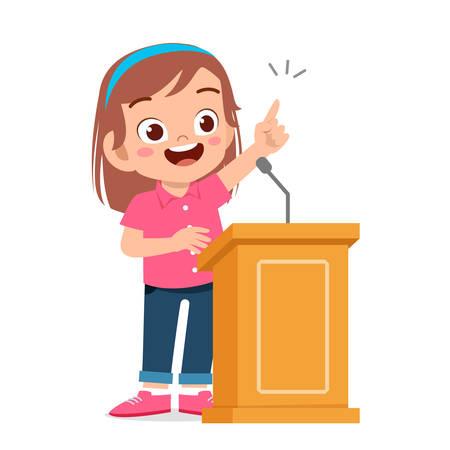 discorso di una ragazza felice e carina sul podio