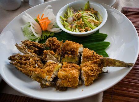 mango fish: Fried Fish with Mango salad