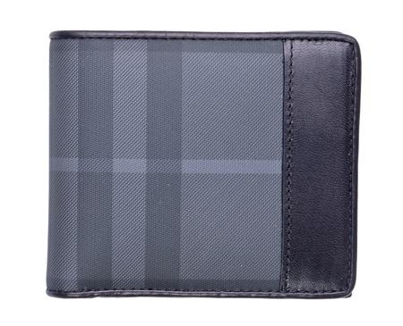bolsa dinero: cartera de hombre de cuero negro aislado en blanco