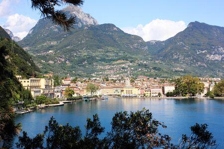 Riva Del Garda, Italy. View on a city Imagens - 132602688