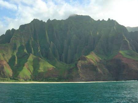 Steen kinderen op Na Pali kust Kauai, HI