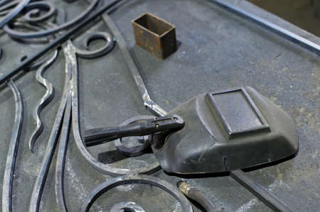 Welding machine and welding mask