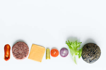 Ingredients for the black Burger over white background Banque d'images - 121254386