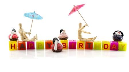 marioneta de madera: cumplea�os feliz con la marioneta de madera y pastelitos