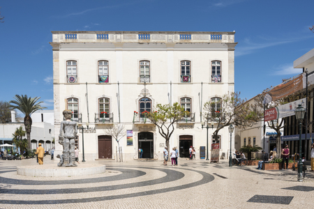lagos: LAGOS,PORTUGAL-APRIL20, 2015: people shopping and looking at monuments in Lagos on April 19 2015,Lagos is the most southern big city of the Algarve Area in Portugal