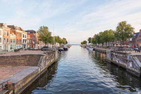 the harbor of Hellevoetlsuis Editorial