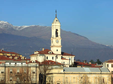 bellow: Ciudad de abajo Alpes