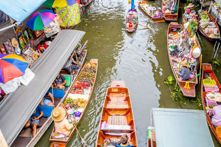 ratchaburi: Damnoen Saduak Floating Market, Damnoensaduak district, Ratchaburi province, Thailand