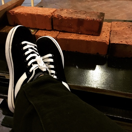 shoestring: Relaxing and resting legs on table