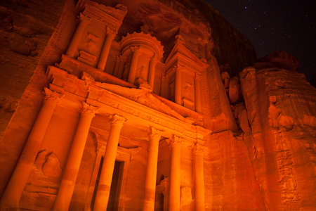 The Treasury at night,  Petra, Jordan Banque d'images