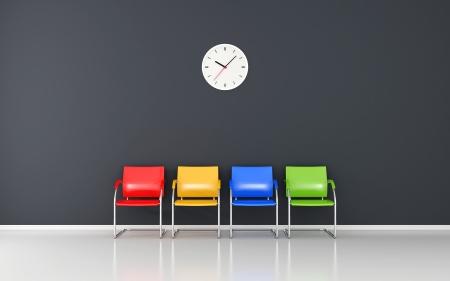 Gefärbter Stuhlgang und Wanduhr im Wartezimmer Lizenzfreie Bilder