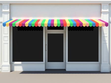 Shopfront in der Sonne - classic Store Front mit farbigen Markisen
