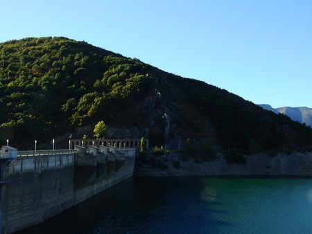 Porma Reservoir one day of autumn Archivio Fotografico
