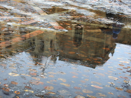 San Isidoro reflected in the puddles of the Plaza Banque d'images - 121844108