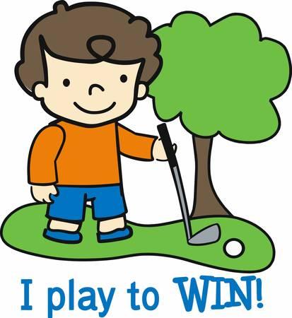 golfclub: Brunette jongen op de fairway met een ijzeren golf club.