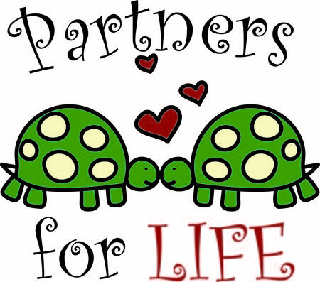 turtles love: These two little love turtles are the cutest decoration for your special project. The hearts just seem to show the love between the two.