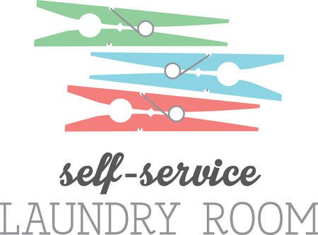 sirvientes: Aqu� hay pinzas de la ropa de colores para asegurar la ropa para una l�nea de ropa.