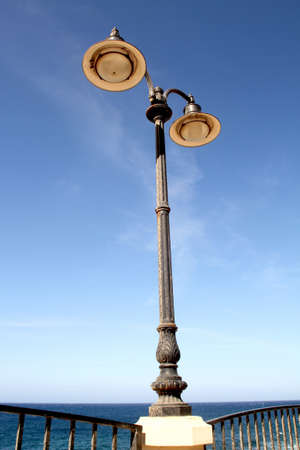 oxidize: A lamp post in the waterfront