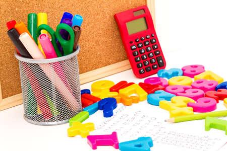 matematicas: Estudiar matemáticas haciendo algunos cálculos Foto de archivo