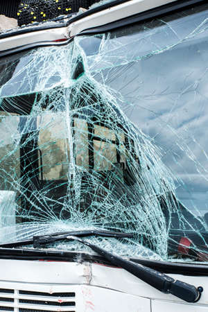 4 types of bullying cracked windshield