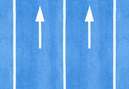 flèche double: Les flèches et les marquages ??au sol