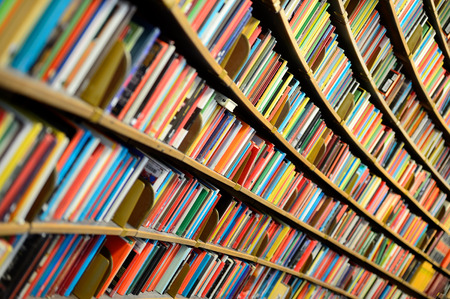Round bookshelf Banque d'images