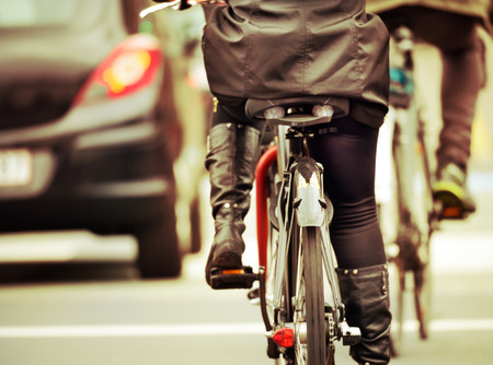 Bikes in the evening, in traffic Standard-Bild