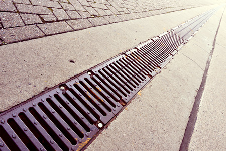 drains: Street, sidewalk and drains, long ones