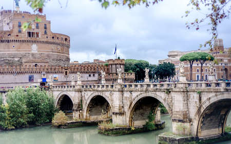 Castel Sant Angelo en Roma Italia, construido en la antigua Roma, ahora es la famosa atracción turística de Italia.