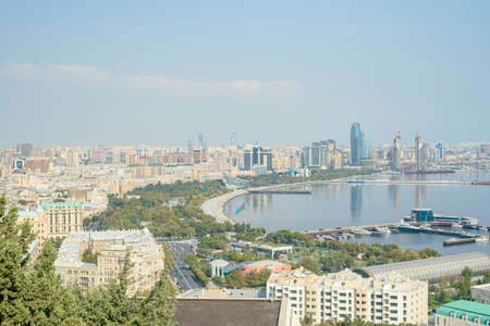 Baku aerial panoramic view from the Martyrs Lane viewpoint, which located in the center of Baku, Azerbaijan Banque d'images - 125337526