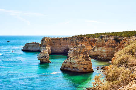 Rocks and sandy beach in Portugal, Lagos, Algarve Banque d'images