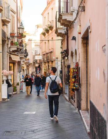 Taormina, central street of Corso Umberto 新聞圖片