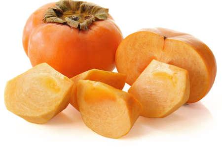 柿次郎柿、白い背景の上のシャロン首相の果実