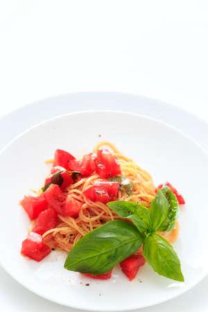 salsa de tomate: Capellini salsa de tomate fría
