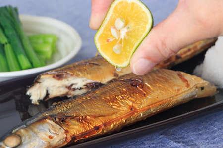 秋刀魚の塩焼き 写真素材